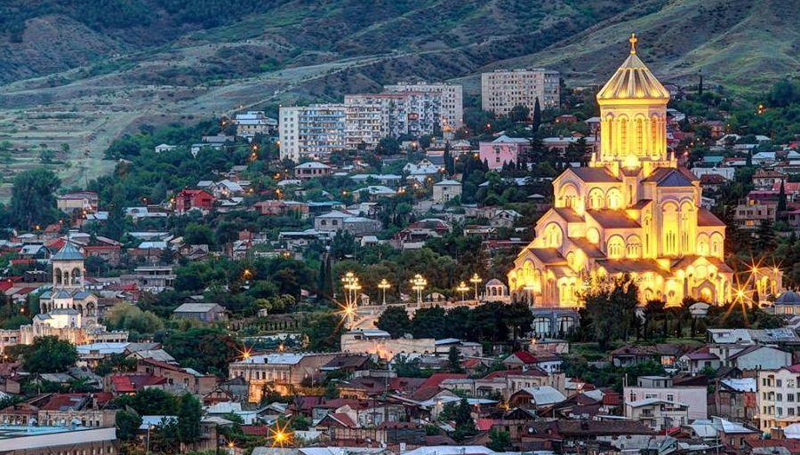 Путин закрывает для туристов Грузию, турбизнесу грозят убытки