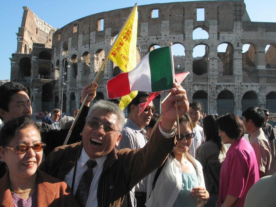 Прогноз: число китайских туристов в Европе увеличится в этом году на 5%