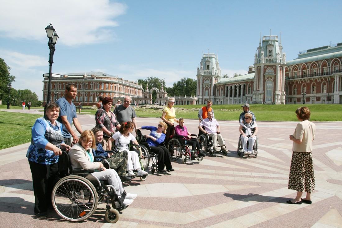 Новые поборы с бизнеса? Туроператоров хотят обучать работе с инвалидами