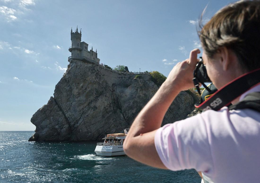 Крым посетили 100 тыс. въездных туристов