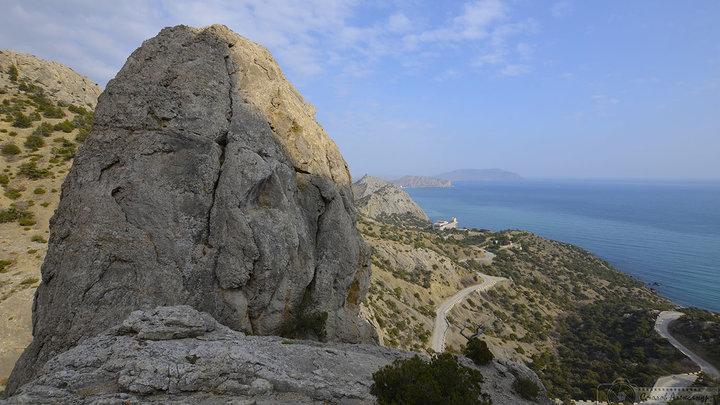 С опасной горы в Крыму эвакуировали рисковых туристов. Среди них - мужчина и ребенок из Витебска