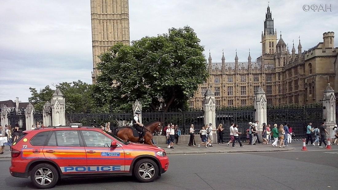 Российское посольство в Лондоне предупредило туристов о «всплеске уличного насилия»