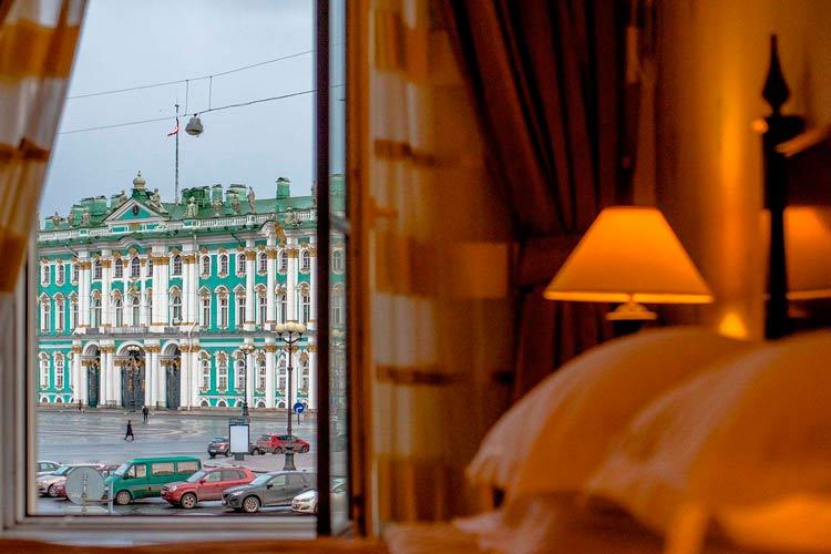 Матвиенко поддержала введение туристического сбора в Петербурге с иностранцев