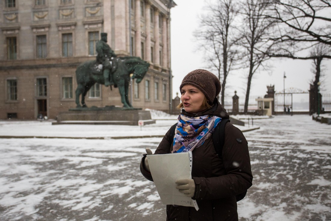 Парламентарии Петербурга одобрили законопроект о запрете иностранных гидов