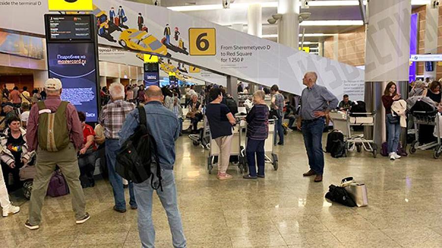 В Шереметьево рассказали о предпринимаемых мерах при задержках багажа туристов