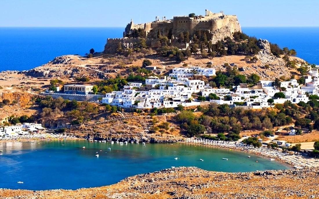 Туроператоры: спрос на Грецию вырос на 25%, недельный тур в июне можно найти за ₽13'390