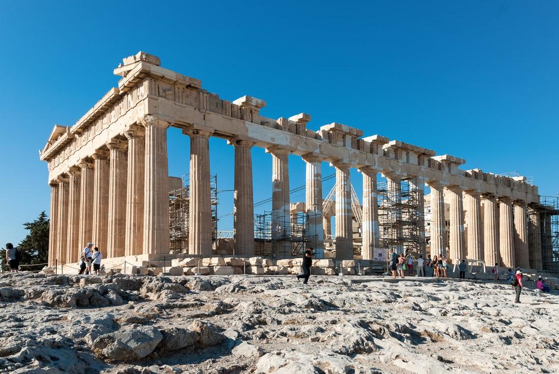 Афинский Акрополь из-за аномальной жары закрыли для туристов