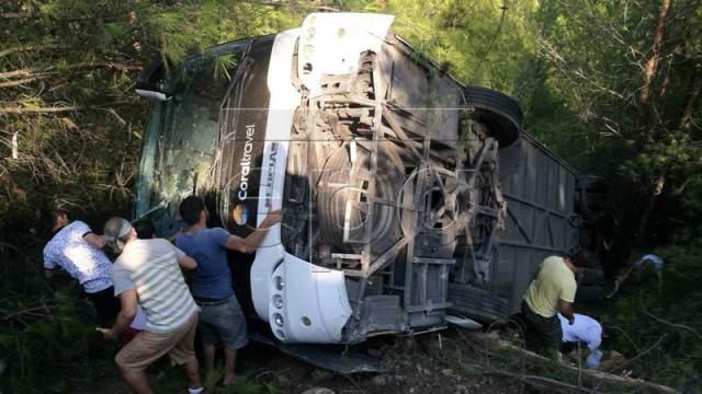 В Анталии автобус с туристами из России, Польши и Норвегии попал в ДТП