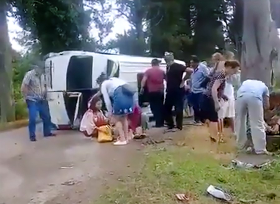 В Абхазии девять российских туристов пострадали в ДТП