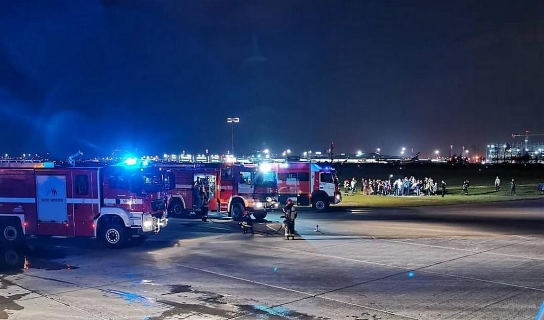 При эвакуации самолета а/к Nordwind, аффилированного с Пегасом, пострадали 8 человек