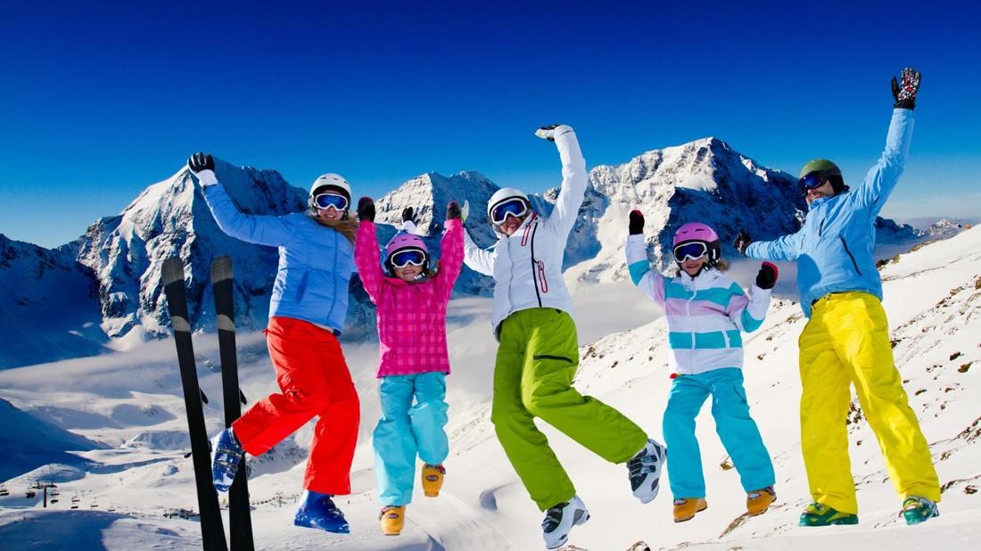 Туроператоры рассказали о самых интересных горнолыжных турах на предстоящую зиму в рамках «раннего бронирования»