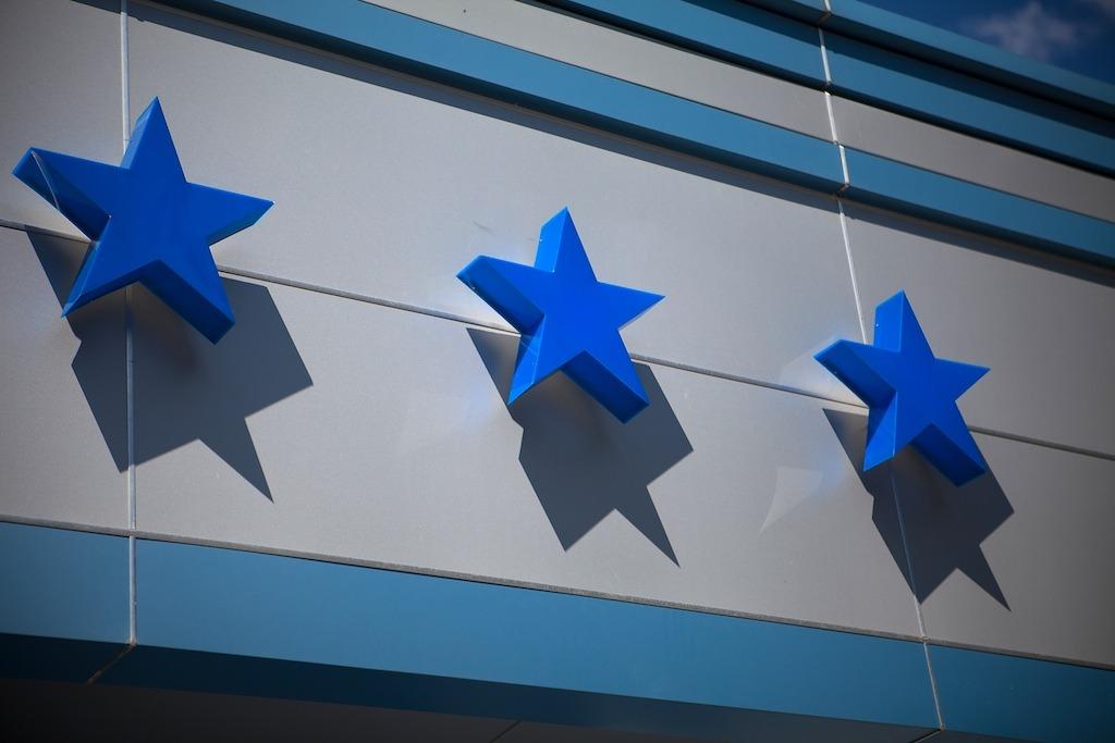 Отели без звезд начинают штрафовать