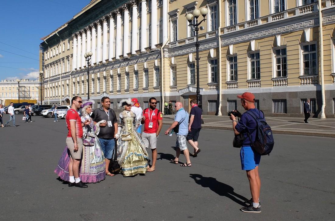 Беглов пообещал увеличить турпоток в Санкт-Петербург за 4 года на 46%