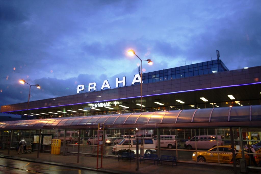 Россия и Чехия договорились о сохранении полетов в интересах туристов до осени