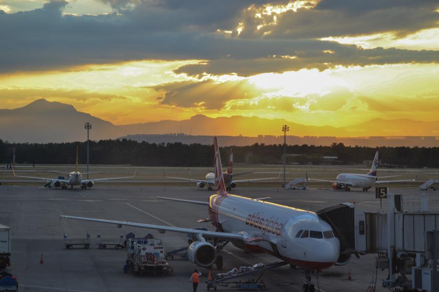 Топливный сбор на рейсах в Турцию для туристов подняли до €40, но не все авиакомпании