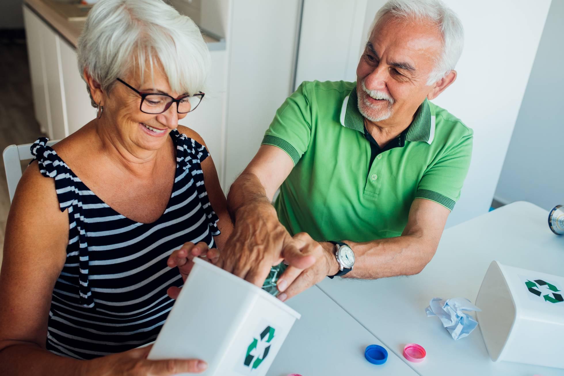 Пожилые люди в Испании преуспевают в вопросах вторичной переработки и экологичного образа жизни