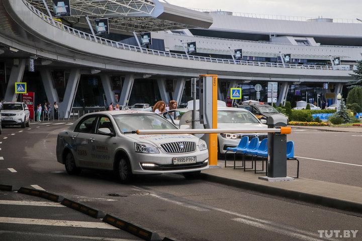 Таксист из Швеции получил от белорусского коллеги шокирующий чек за поездку из аэропорта