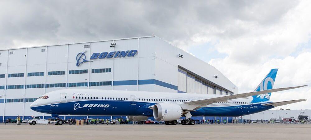 Спрос на самолёты Боинга рухнул на 38%. Обанкротится ли американская корпорация?
