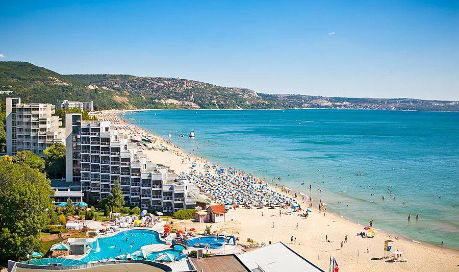 Туроператоры оценили информацию о «массовом снижении» цен на Болгарию