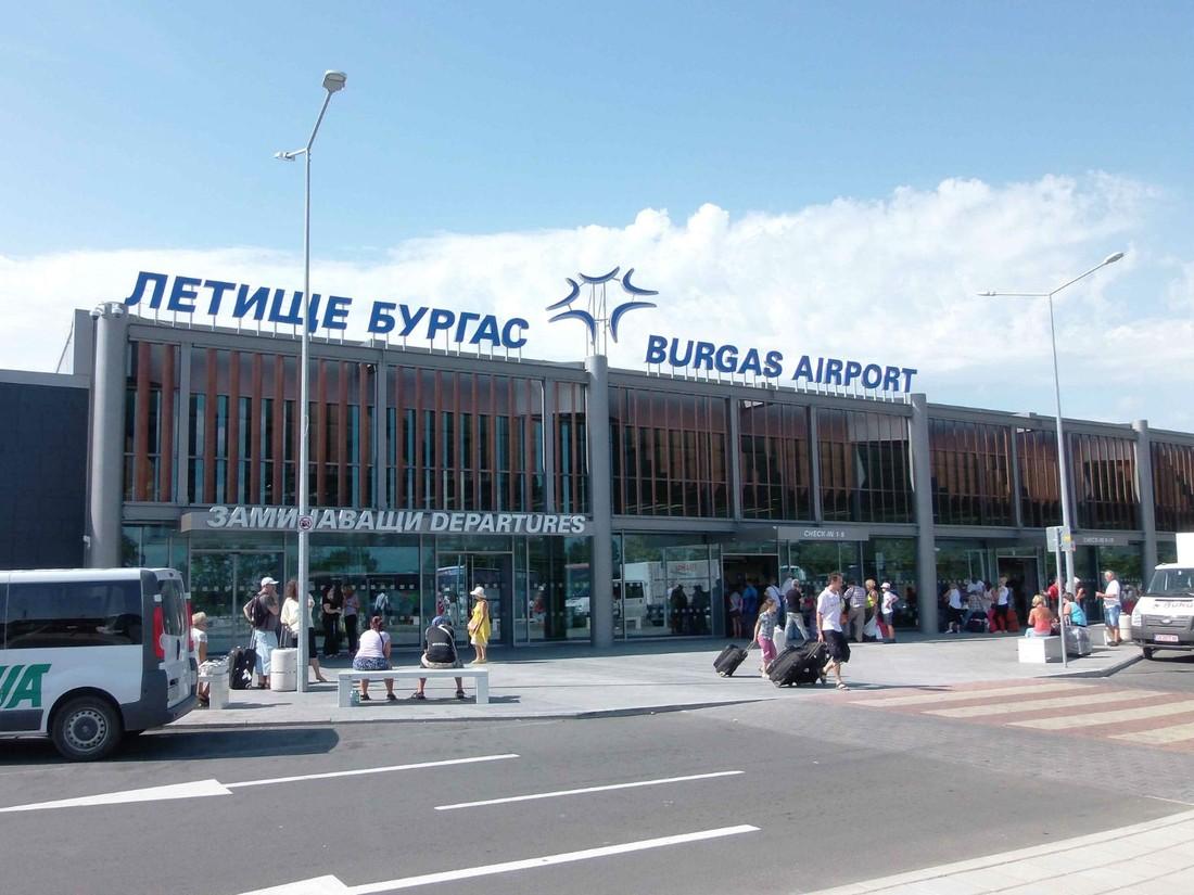 Российские туристы застряли в болгарском Бургасе