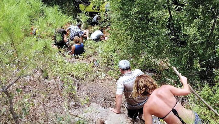 Шесть российских туристов пострадали в ДТП в Анталии