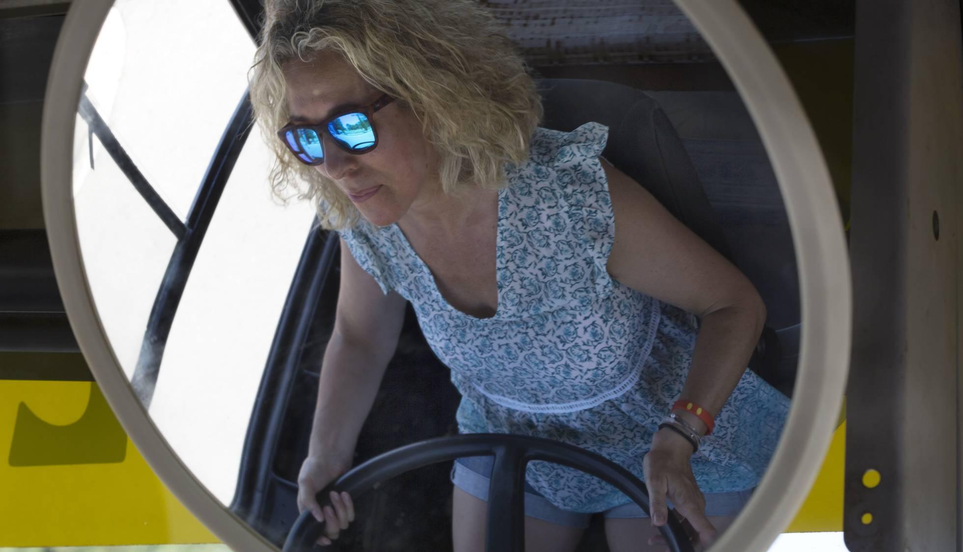 Вакансия водитель автобуса для женщин, находящихся в поисках работы в небольшом городе Каталонии