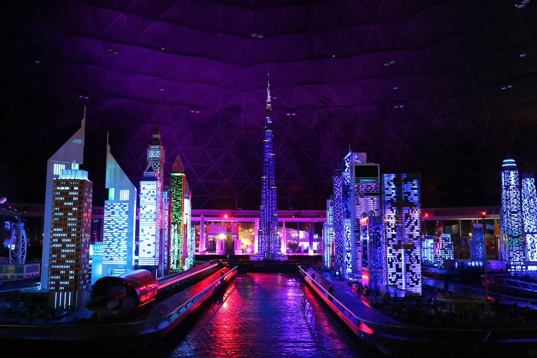 В Legoland Dubai празднуют Курбан-Байрам с красочным ночным шоу