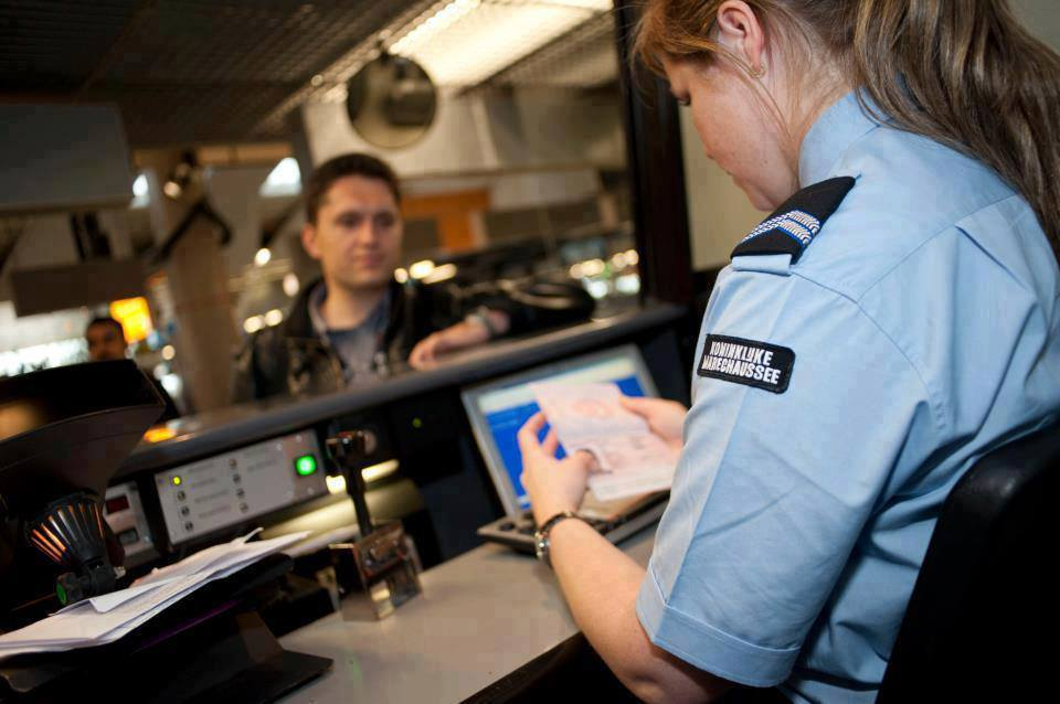 Туристам при въезде в страны ЕС перестанут ставить штамп в паспорт
