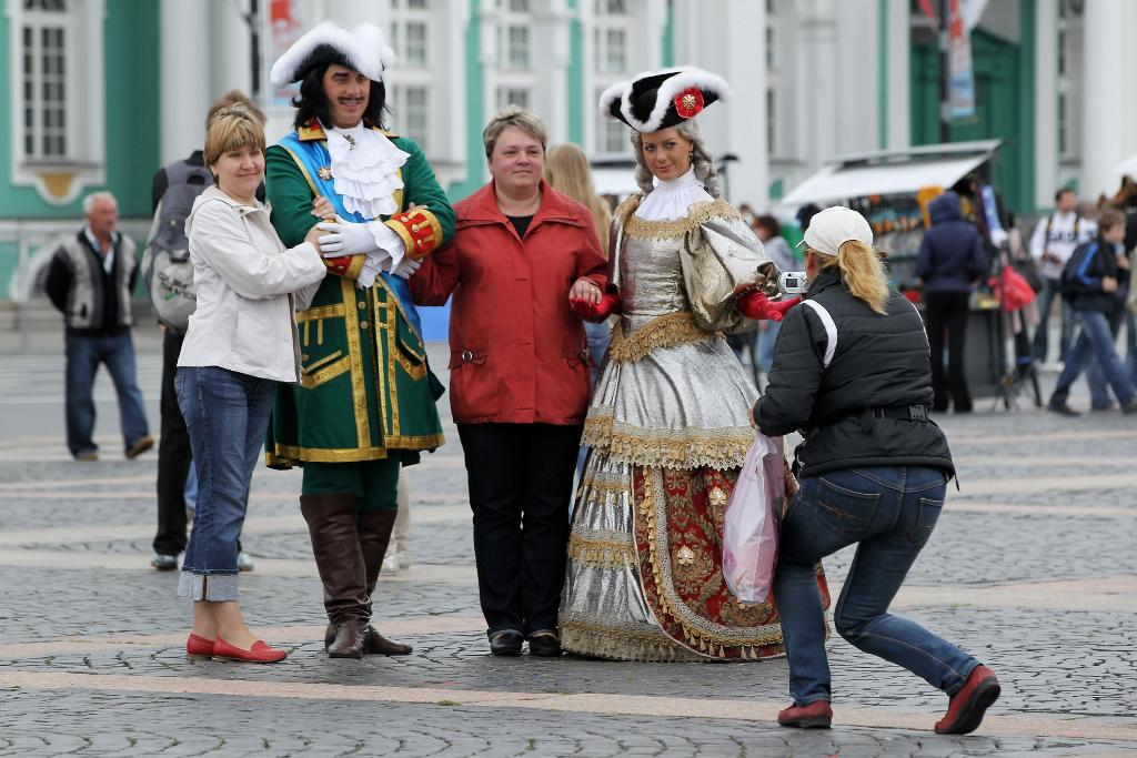 Глава Петербурга планирует заработать на туристах ₽ 35 млрд