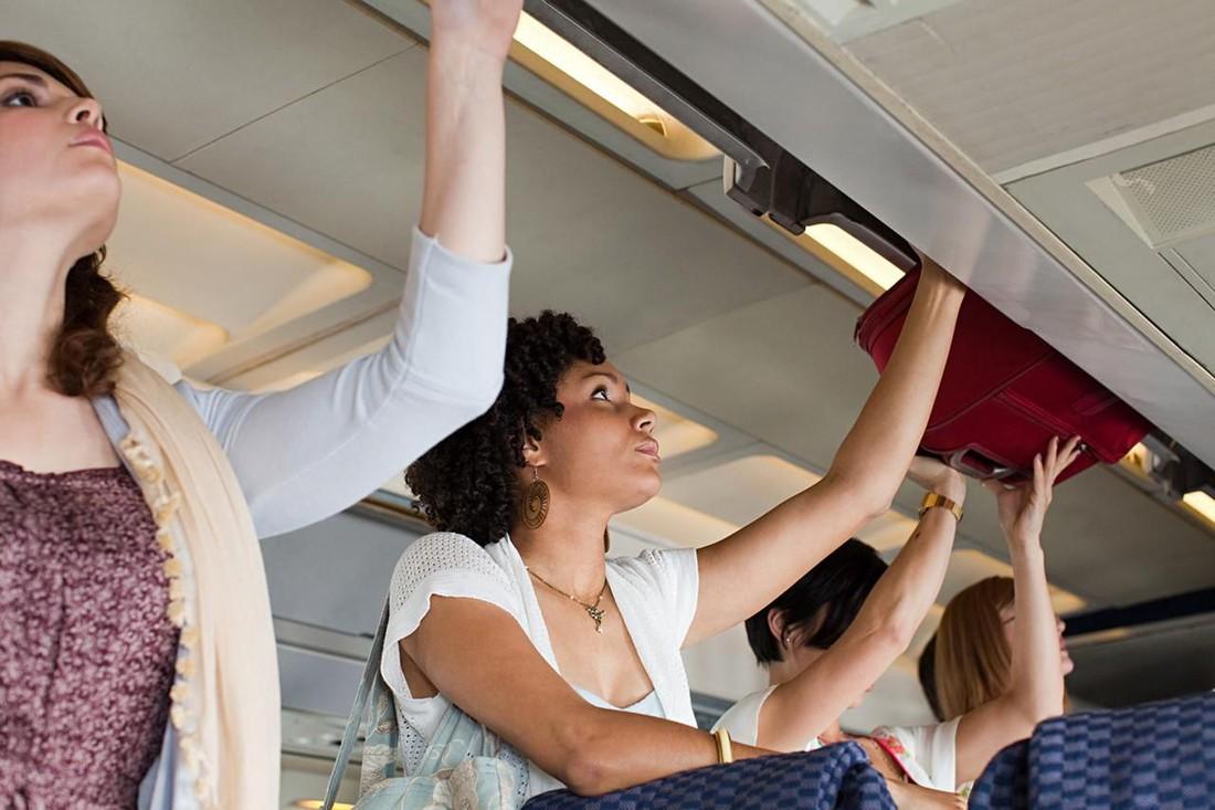 Что туристы забывают в самолетах?