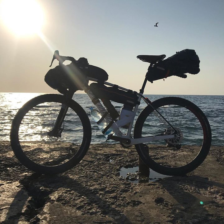 Потратил 150 долларов. Парень из Светлогорска съездил с другом в Одессу на велосипедах