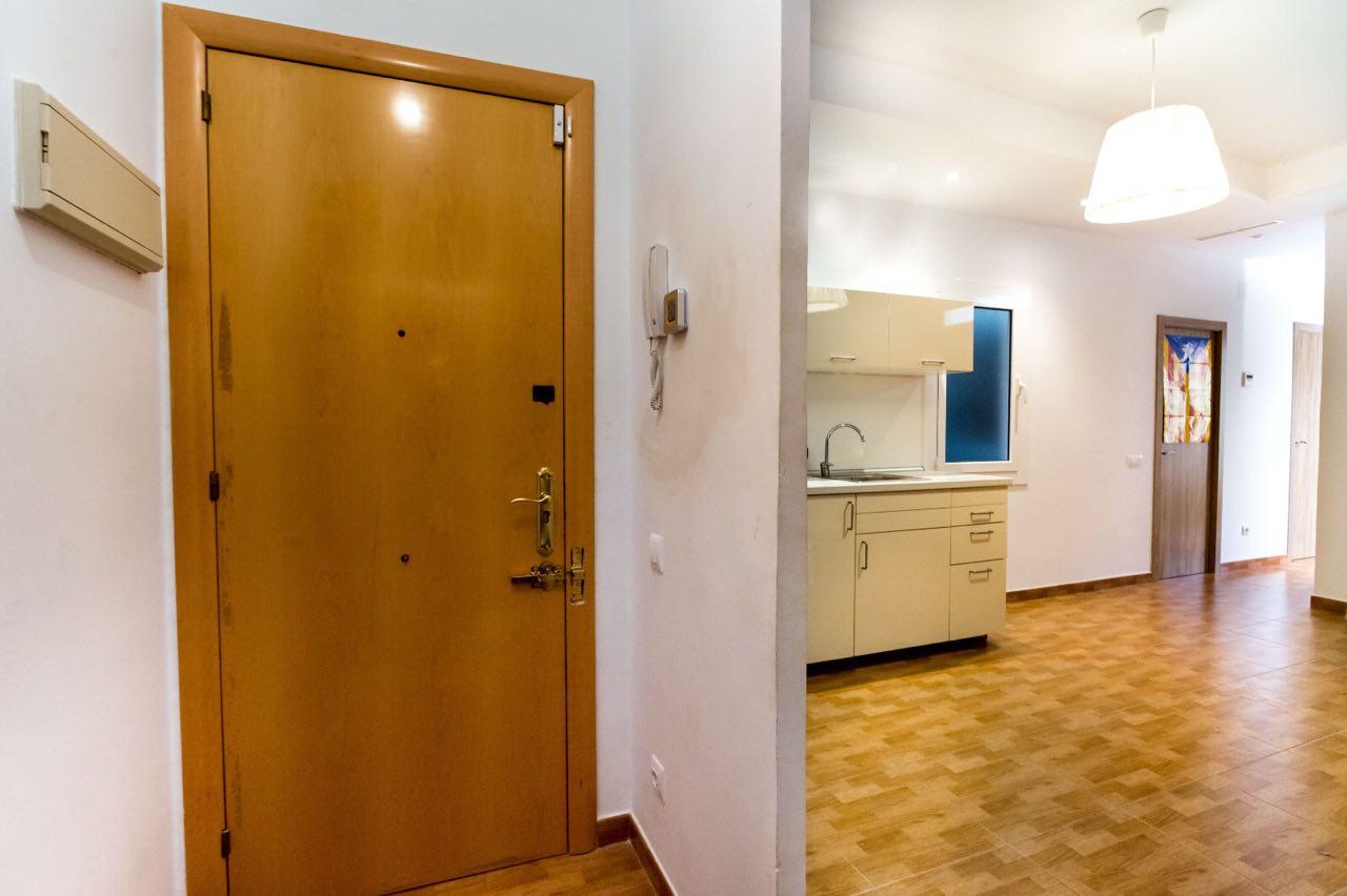 Продается двухкомнатная квартира в Барселоне