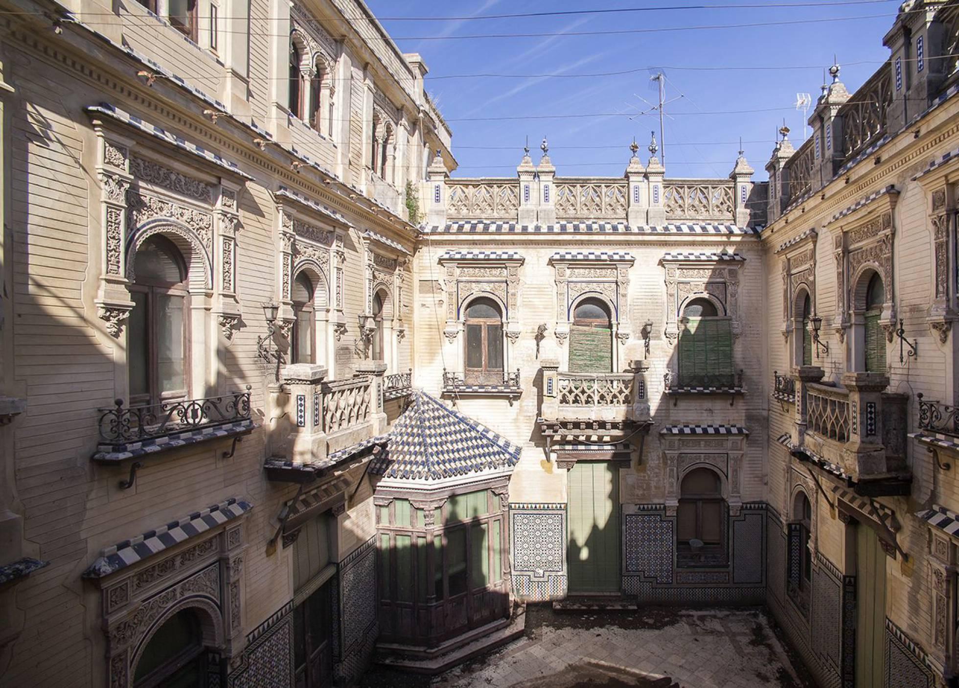 Необычные здания, которые выставлены на продажу в Испании