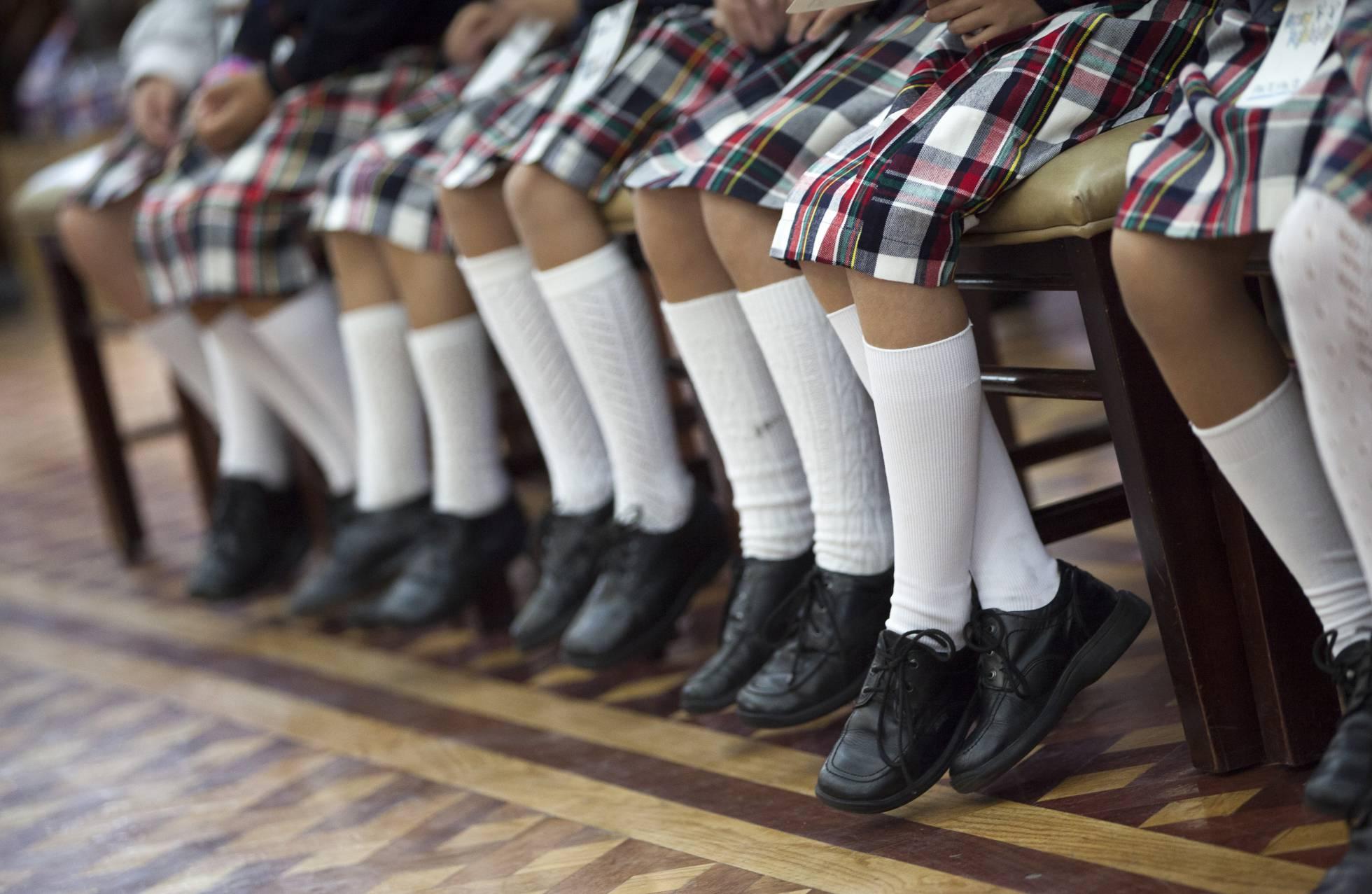 В регионах Испании могут запретить гендерную школьную форму