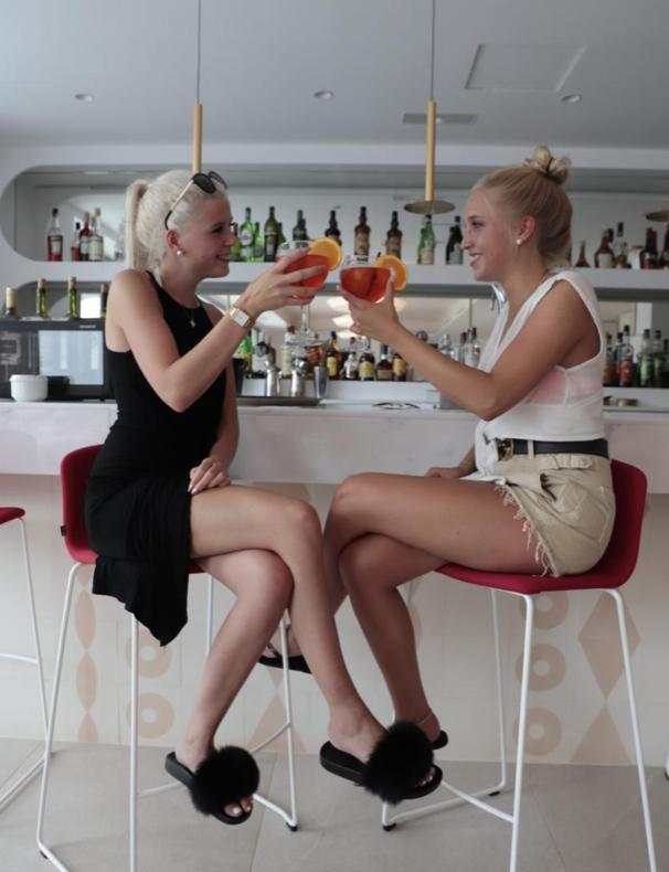 Первый в Испании «женский» отель открылся на острове Майорка
