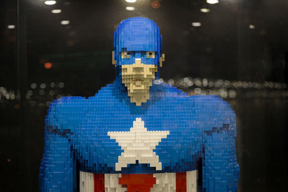 Одна из крупнейших в Европе выставок фигур Лего проходит в Барселоне