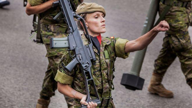 Министерство обороны Испании привлекает в свои ряды все больше женщин