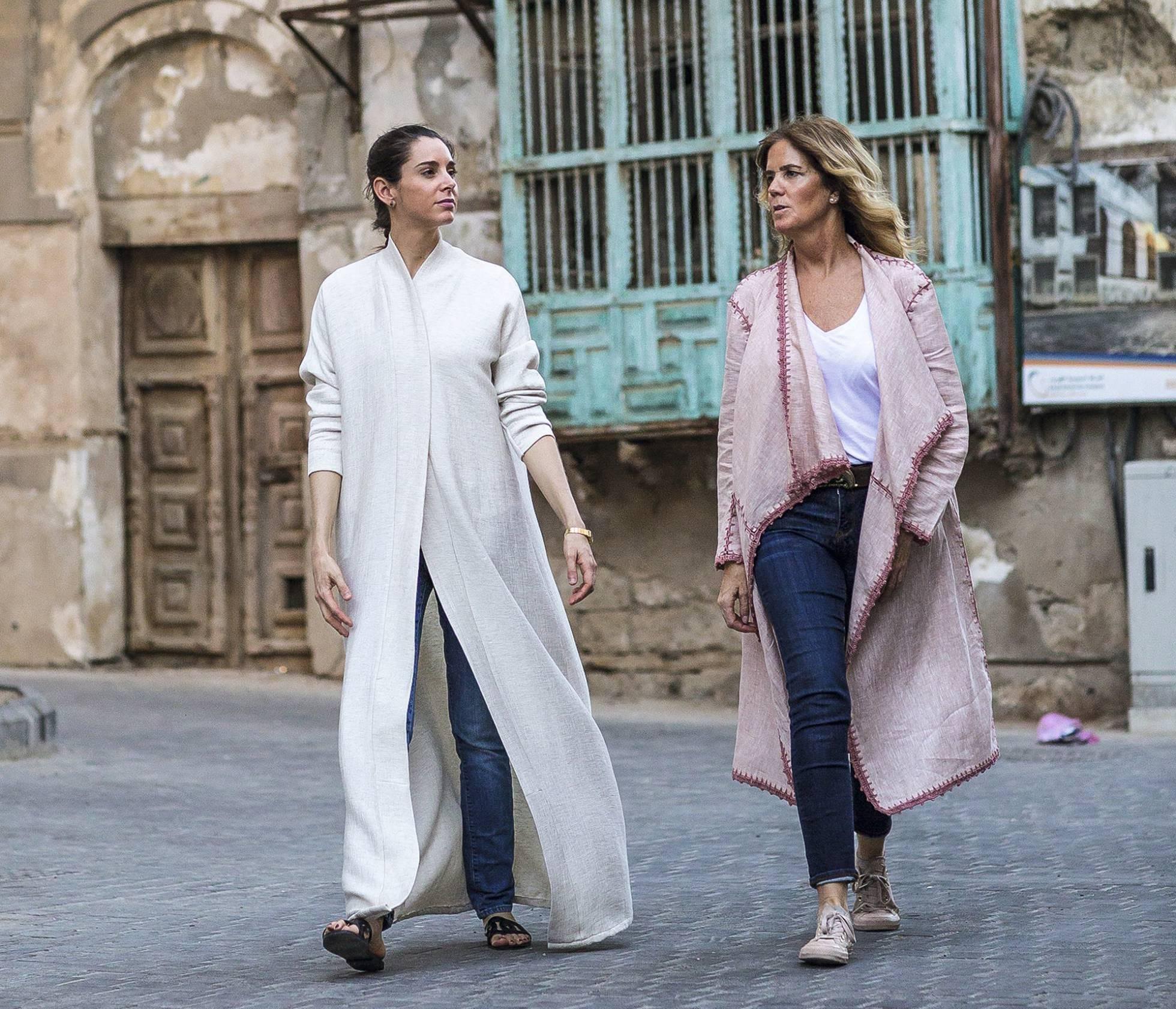 Две талантливые испанки сделали модным традиционное арабское платье