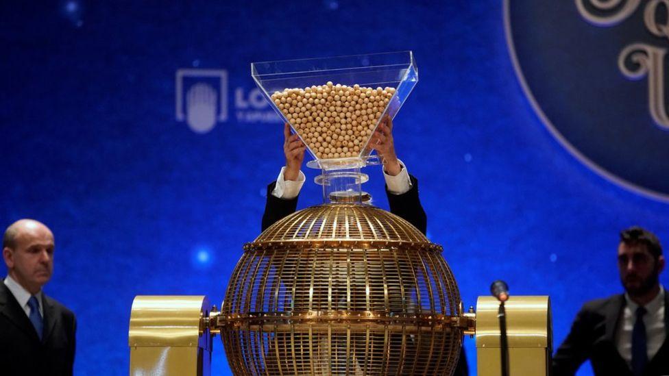 В Испании проводится самая богатая лотерея в мире
