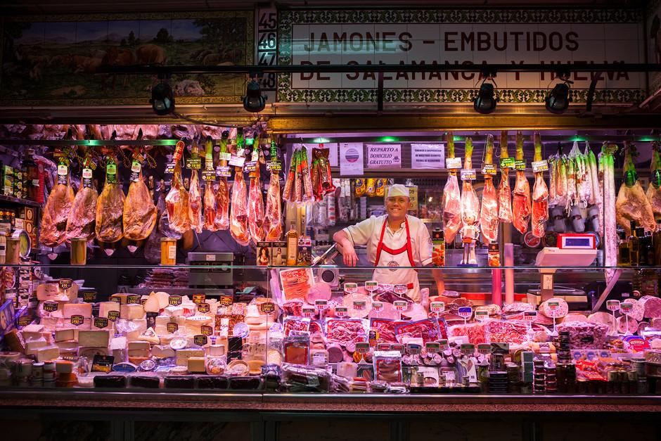 В Мадриде помогают городским рынкам не потерять клиентов