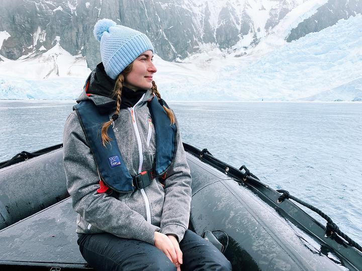 Гигантские айсберги и прогулка по леднику. Белоруска о поездке в Антарктиду перед самой эпидемией