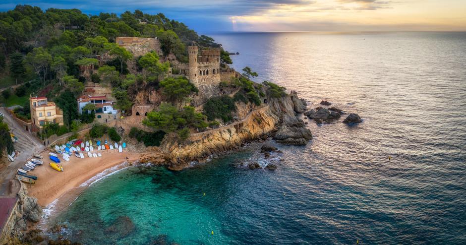 В Льорет-де-Мар планируют разделить пляж на сектора для обеспечения безопасности после карантина