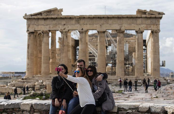 В Греции назвали условия для открытия туристического сезона в условиях пандемии