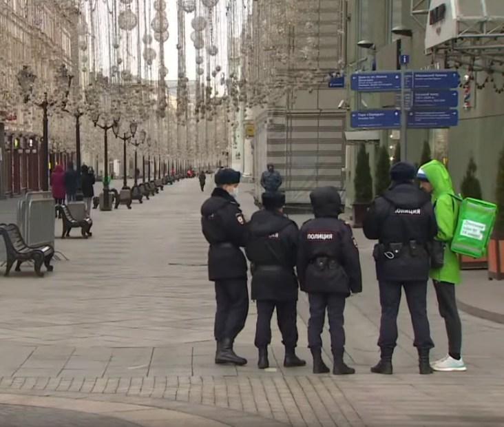 Минимум 2 из 100 человек уже заражены коронавирусом в Москве