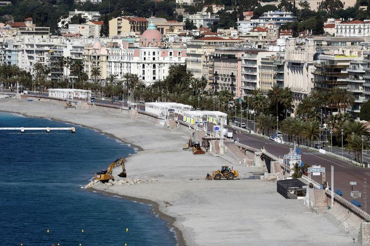 Еврокомиссия призвала к постепенному возобновлению туризма в ЕС