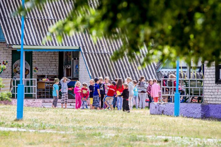 «Это были дети из одного отряда». Директор «Зубренка» - о ситуации с СOVID-19 в популярном лагере