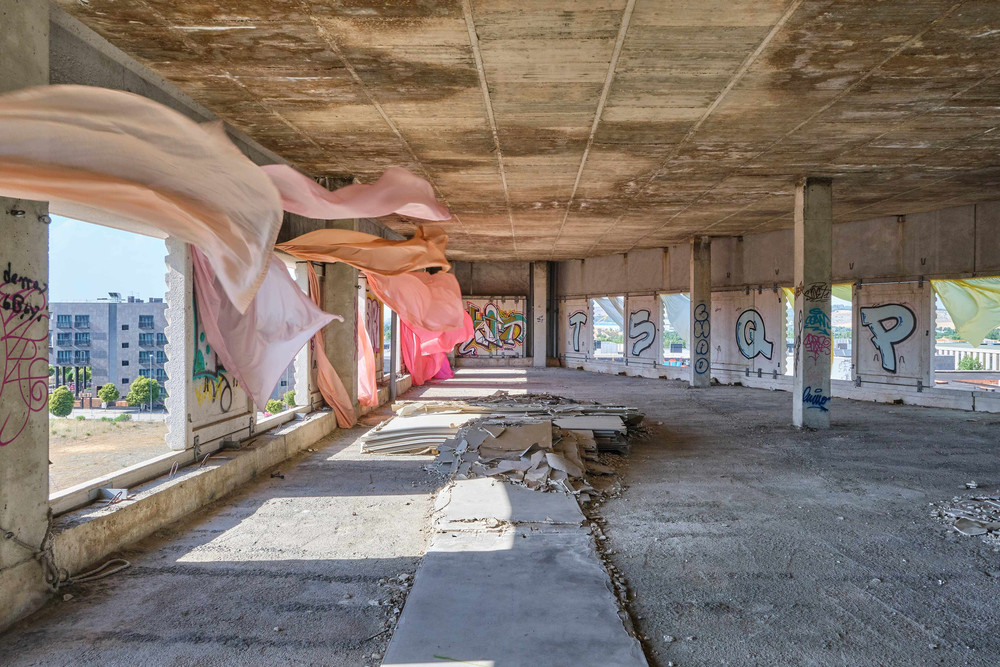 В Мадриде художники вдохнули жизнь в заброшенное много лет назад здание
