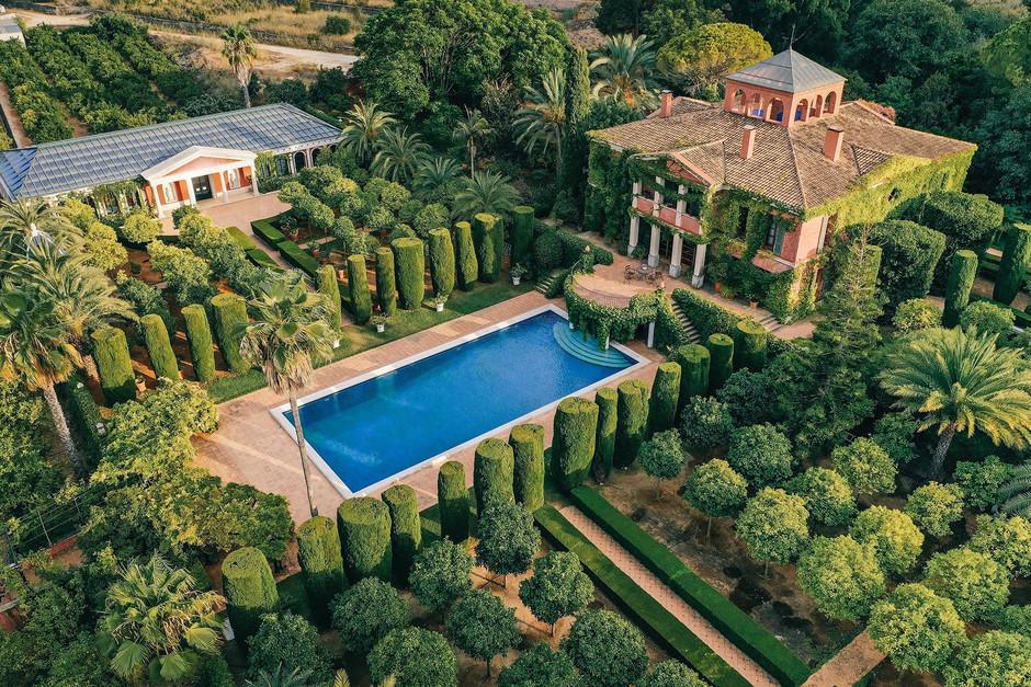 Роскошный средиземноморский сад El Jardín de l'Albarda в провинции Аликанте
