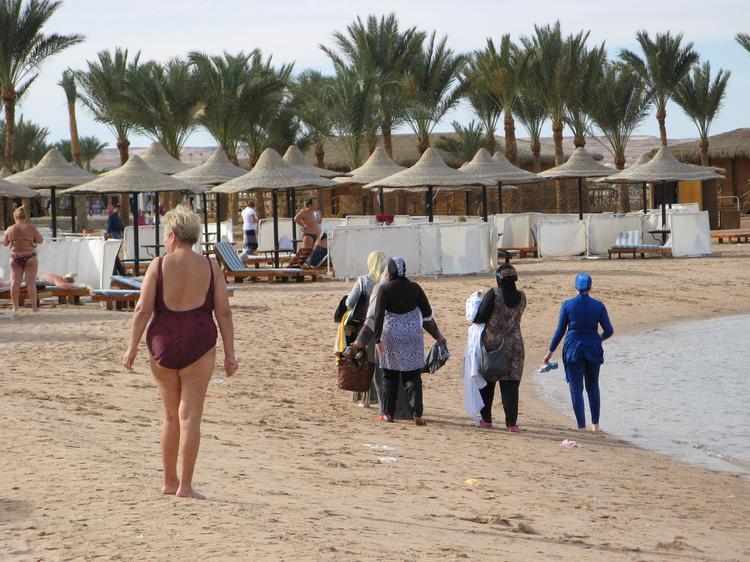 Отели Египта забронированы полностью, на курорты хлынули мусульмане