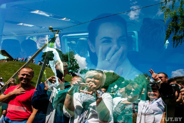 Гродно, Волковыск, Слоним. Тысячи людей в регионах пришли на митинги Светланы Тихановской